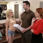 Edyn Blair - Special Delivery - S10:E8 | Picture (2)
