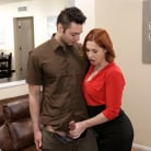 Edyn Blair - Special Delivery - S10:E8 | Picture (4)