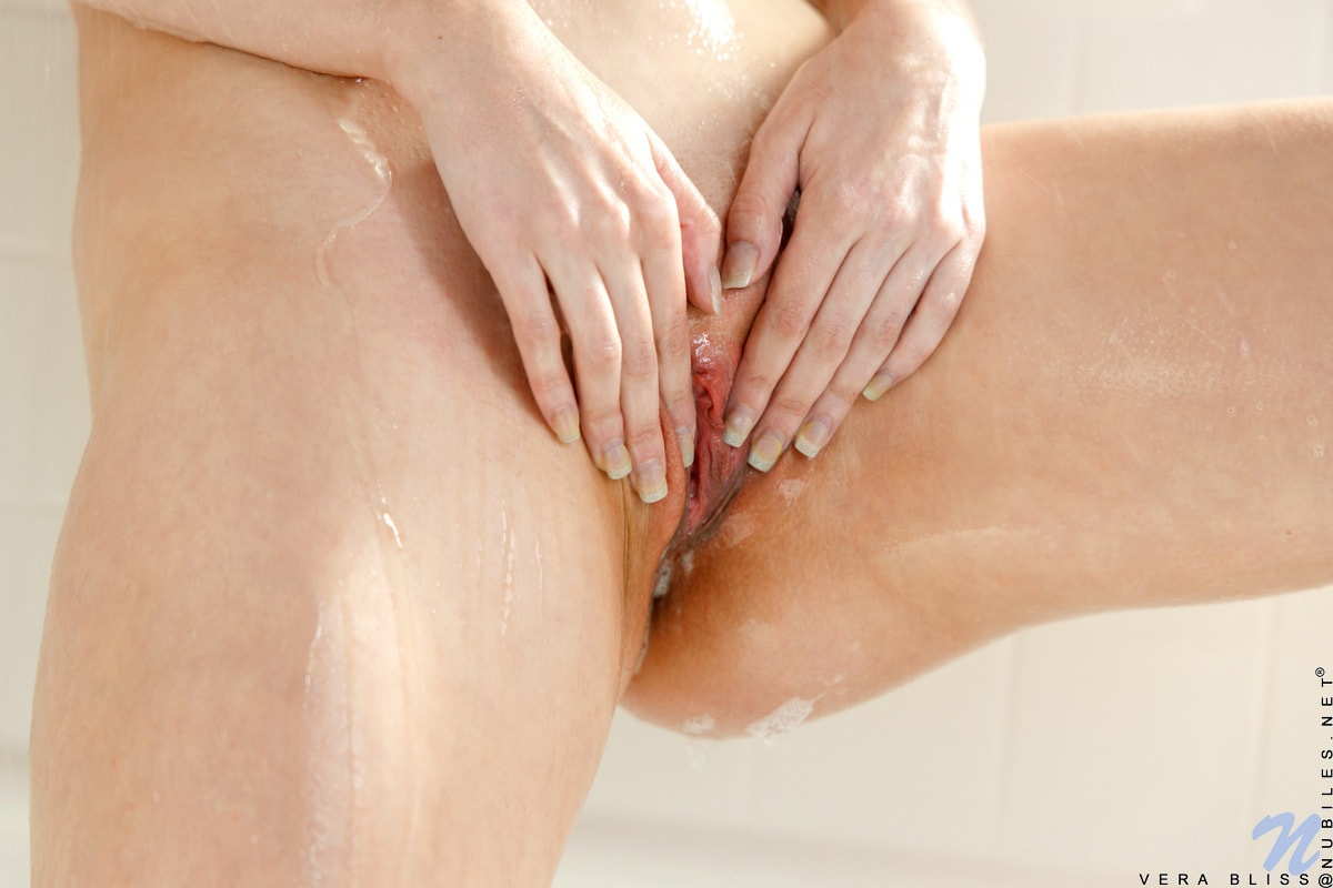 Vera Bliss - Shower Cutie | Picture (15)