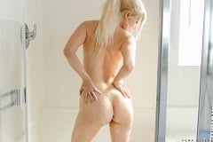 Vera Bliss - Shower Cutie | Picture (13)